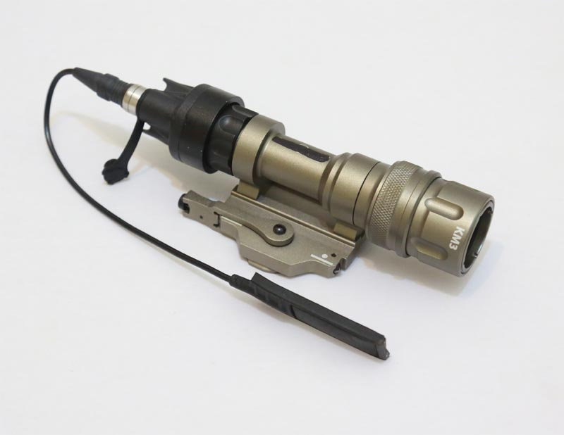 Element M952V Tactical Light LED Weapon Light / Strobe IR Function w/ Rail Mount - Tan