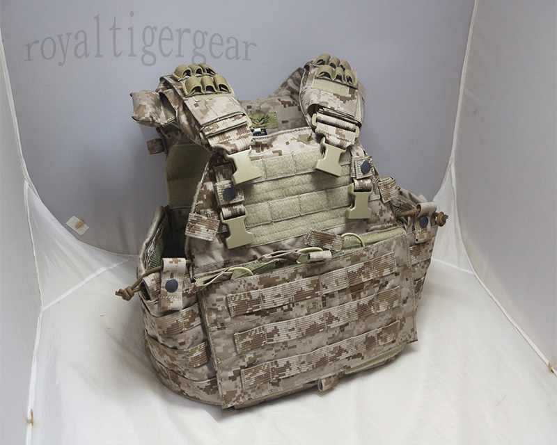 FLYYE MMAC-R 6094 MOLLE Plate Carrier Tactical Vest with 3 Mag Pouch - AOR1, AOR2