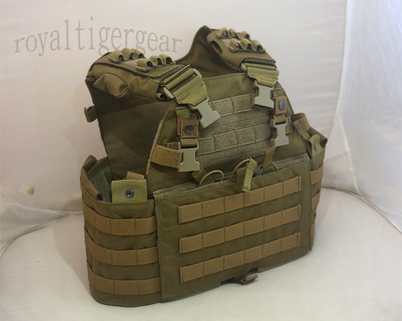 FLYYE MMAC-R 6094 MOLLE Plate Carrier Tactical Vest with 3 Mag Pouch