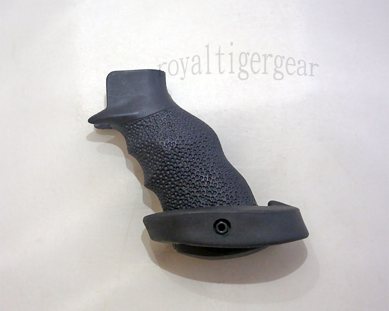 Element Target Grip for M4 - Black OT-0809
