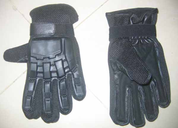Black Tactical Attack Gloves