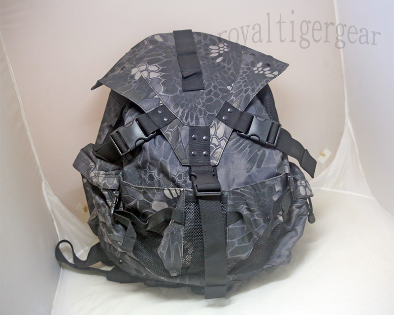 Oakley Type Backpack - Python Snake Camo TYP Night Urban Marines