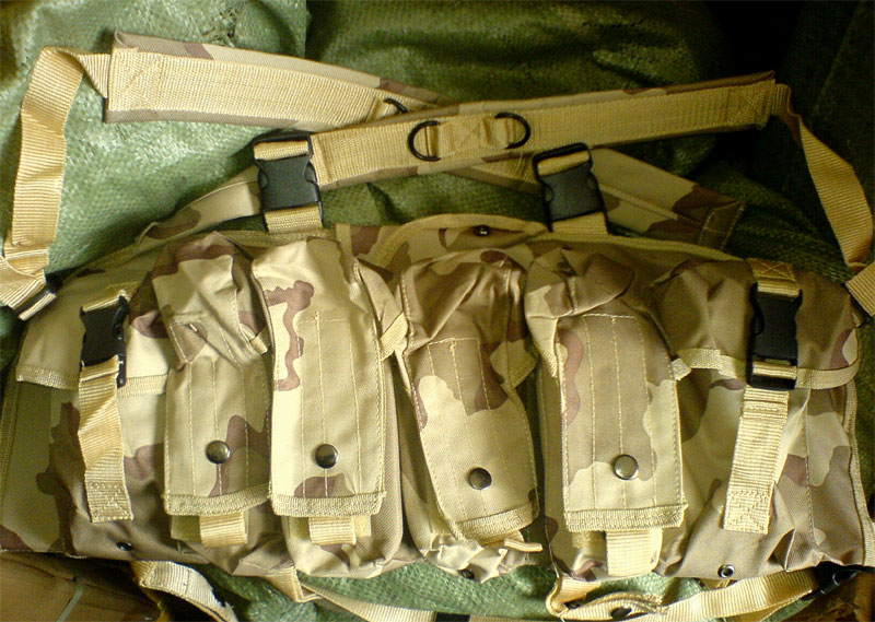 AK Tactical Assault Chest Rig - Tri-Desert