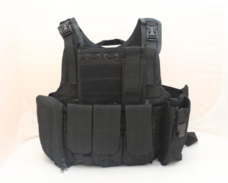 Tactical PC Plate Carrier Vest w/ Pouches – Black
