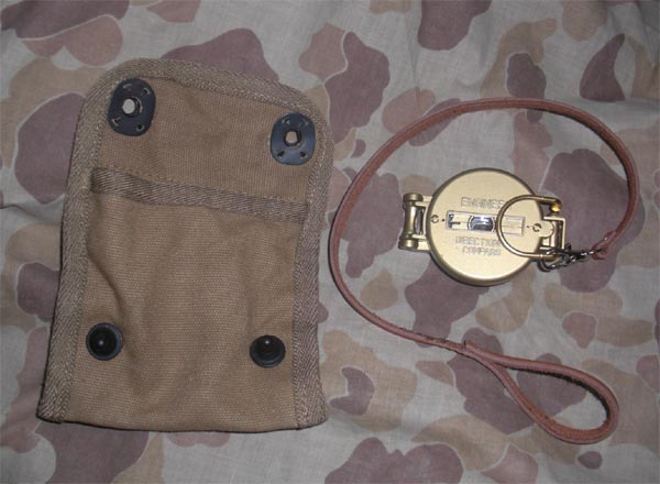 WW2 US Field Compass w/ Pouch Set